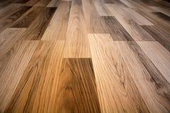 木头的董事会接近的地板被碾压的纹理 库存照片