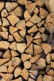 木柴看被削减的边缘的堆 免版税库存图片
