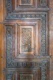 木年迈的古色古香的门,老开罗,埃及的装饰品 免版税库存图片