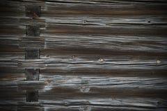木头采伐一个老房子的纹理 库存图片