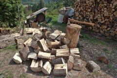 木柴,为冬天做准备 图库摄影