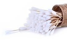 木头,棉花芽隔绝了白色背景 库存照片