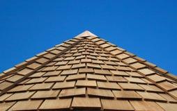 木cladded的屋顶 库存图片