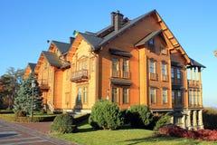 木Honka房子在Mezhyhirya,乌克兰 免版税库存照片