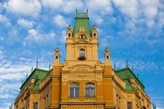 未修理的历史的房子在布拉格 免版税库存照片