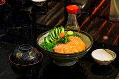 未加工和新鲜的生鱼片鱼肉-日本食物样式 免版税库存照片