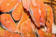 未加工的三文鱼 免版税库存图片