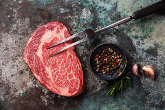 未加工的新鲜的肉安格斯牛排 免版税库存图片