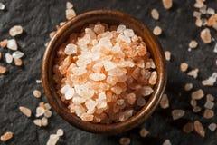 未加工的桃红色喜马拉雅海盐 免版税图库摄影