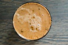 未加工的热奶咖啡 库存图片