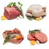 未加工的牛肉里脊肉牛排用草本和香料 免版税库存照片