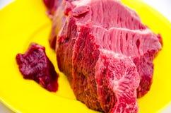 未加工的牛肉 库存照片