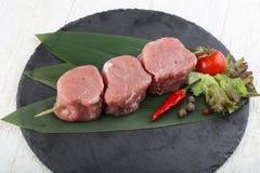 未加工的猪肉小腓厉牛排 免版税库存图片