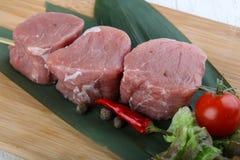 未加工的猪肉小腓厉牛排 库存照片