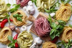 未加工的自创意大利面团烹饪过程 库存照片