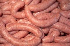 未加工的香肠串  准备对销售 免版税库存图片