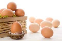 未加工的鸡蛋 免版税库存照片