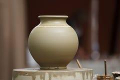 未加工的黏土花瓶 库存图片