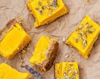 未加工的素食主义者南瓜乳酪蛋糕 库存照片
