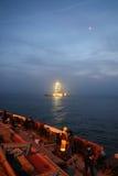 未婚塔在Bosphorus海峡,伊斯坦布尔 免版税库存图片