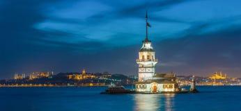 未婚的塔在伊斯坦布尔 免版税库存图片