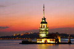 未婚的塔(Kiz Kulesi) 免版税图库摄影