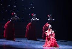 未婚的女性中国民间舞 免版税库存图片