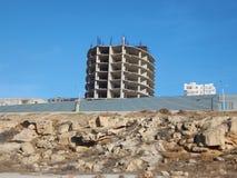 未完成的大厦在阿克套 库存图片