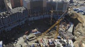 未完成的居民住房工地工作顶视图  股票录像