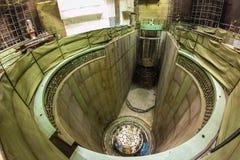 未完成的核反应堆核心 核电站建设中 库存照片