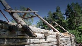 未完成的老历史的客舱木屋的更加接近的图象 股票视频