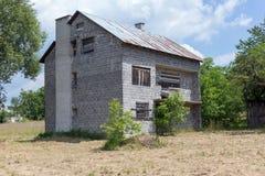 未完成的被破坏的和被放弃的房子 图库摄影