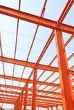 未完成的钢结构大厦在工厂 免版税图库摄影