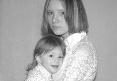 未成年母亲/姐妹 免版税图库摄影