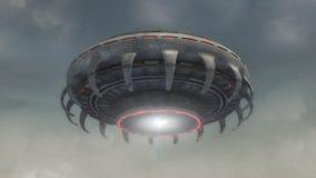未来派外籍人太空飞船和天空 库存照片
