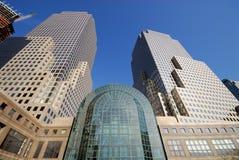未来派大厦的城市 库存照片