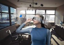 未来派室接口,办公室,未来派妇女 库存图片