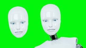 未来派有人的特点女性机器人谈话 现实行动和反射 绿色屏幕英尺长度 股票录像