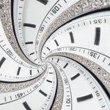 未来派现代白色strass成螺旋形报时表摘要分数维超现实的背景 手表时钟异常的抽象纹理啪答声 免版税图库摄影