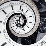 未来派现代strass金刚石白色报时表摘要分数维超现实的螺旋 手表时钟异常的抽象纹理样式 免版税库存图片