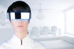 未来派玻璃安置现代银色白人妇女 库存照片