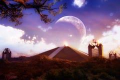 未来派金字塔 库存图片
