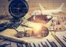 未来资金的储积与股市信息图表的 免版税库存照片