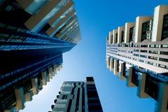 未来派摩天大楼有蓝天背景 免版税图库摄影
