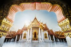 未看见的泰国,在云石寺Dusitvanaram,古老皇家大理石菩萨寺庙的日出,photograhy的公共场所是 库存图片