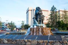 未知数第一个家庭雕象在费尔班克斯,阿拉斯加 库存照片