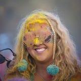 未知的女孩是文化和音乐节Sziget的参加者在布达佩斯,匈牙利 库存照片
