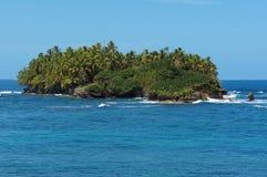 未触动过的热带海岛在加勒比海 免版税库存图片