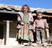 未认出的尼泊尔孩子在西尼泊尔 免版税库存照片