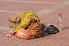 未认出的无家可归的人,印度。 免版税库存图片